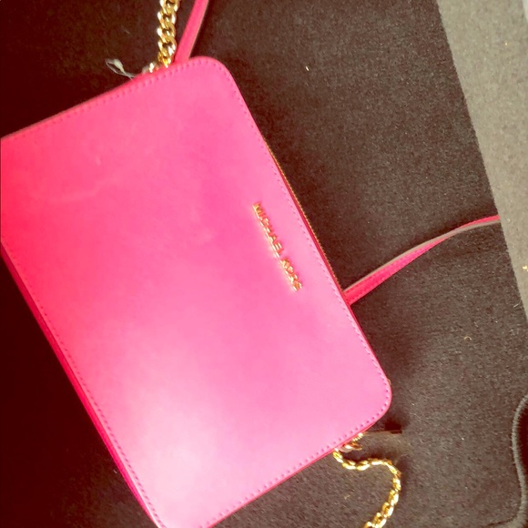 Michael Kors Handbags - Mk pink crossbody